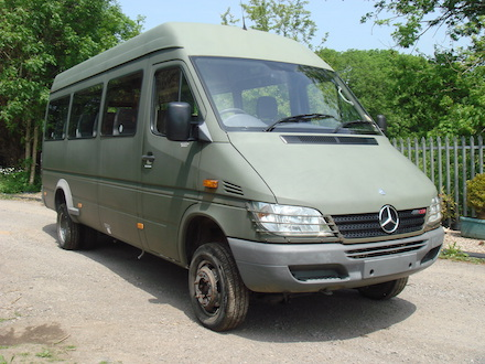 jenkins garages 2006 mercedes sprinter 411cdi 4x4 minibus for sale. Black Bedroom Furniture Sets. Home Design Ideas